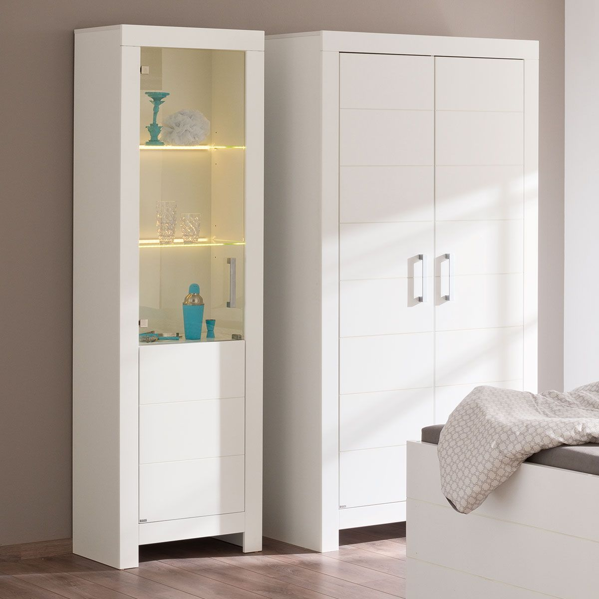 paidi fiona vitrine kreidewei inkl led licht. Black Bedroom Furniture Sets. Home Design Ideas