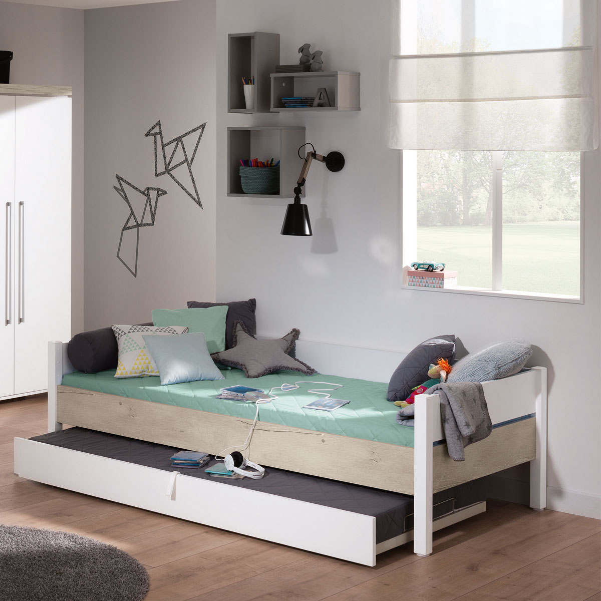 paidi kira liege in gro er vielfalt auf. Black Bedroom Furniture Sets. Home Design Ideas