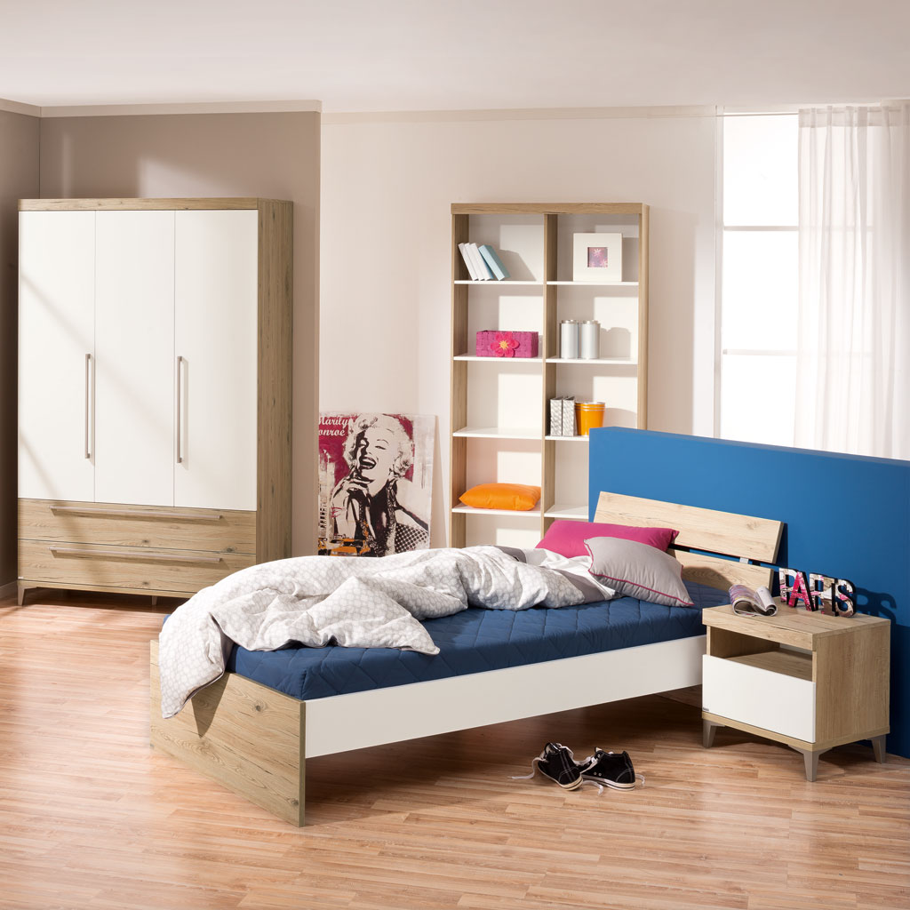 paidi remo jugendzimmer mit 4t rigem schrank. Black Bedroom Furniture Sets. Home Design Ideas
