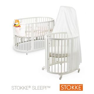 stokke sleepi kinderbett plus stokke care wickeltisch. Black Bedroom Furniture Sets. Home Design Ideas