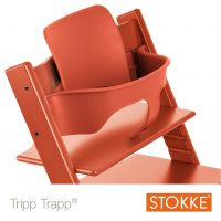 mit Tripp Trapp® Baby Set™ in Farbe Lava Orange