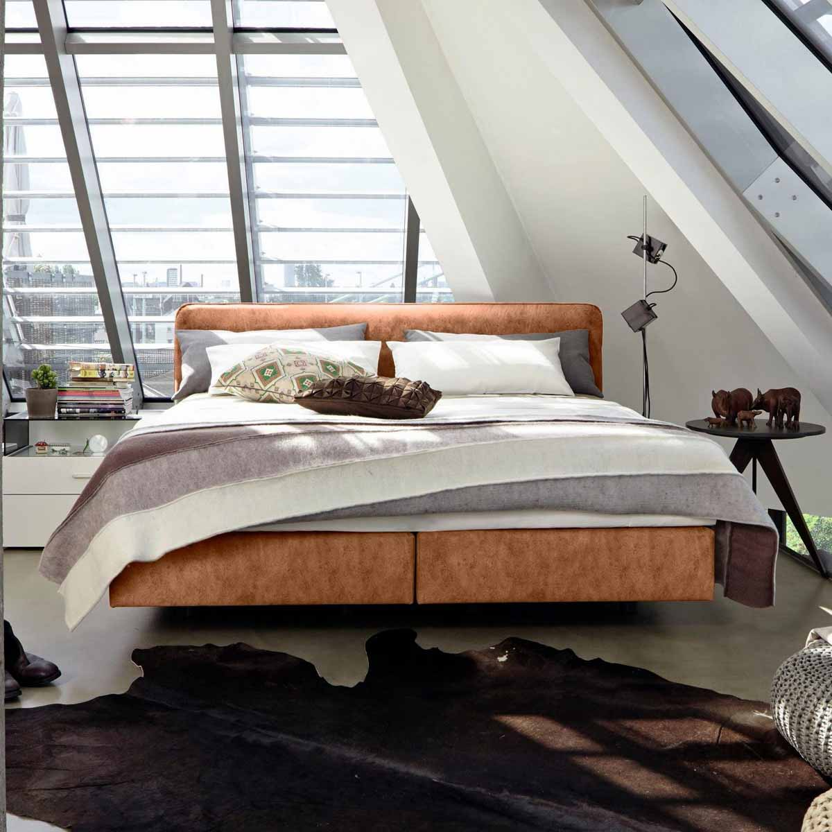 now by h lsta boxspringbett b kunstleder vintage. Black Bedroom Furniture Sets. Home Design Ideas