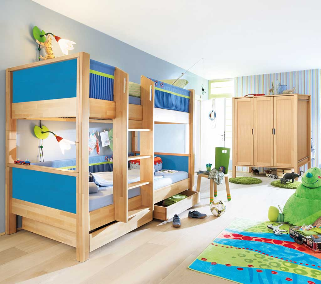 haba abpfiff kinderzimmer 3 t riger schrank aktionspreis. Black Bedroom Furniture Sets. Home Design Ideas